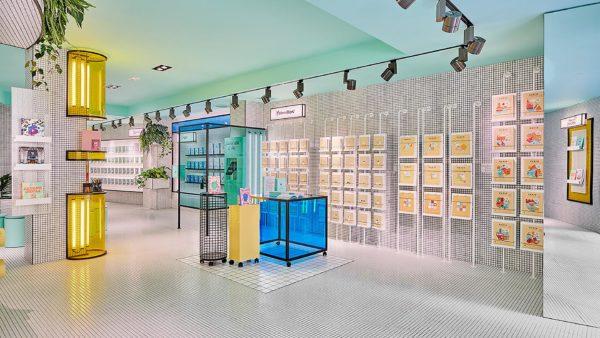 Stationary-store-01