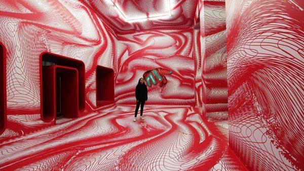 Peter-Kogler-Opticial-Illusions-installation-01