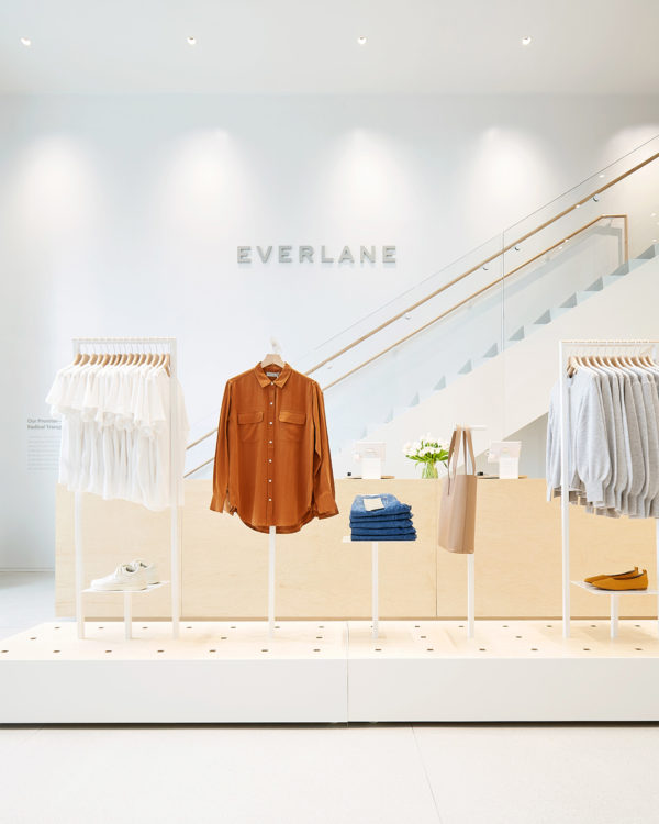 everlane-williamsburg-store-interiors-retail-brooklyn-new-york-city-usa_dezeen_2364_col_12