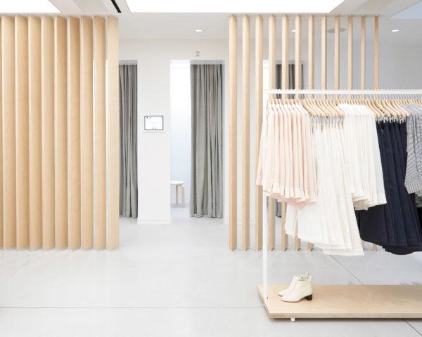everlane-williamsburg-store-interiors-retail-brooklyn-new-york-city-usa_dezeen_2364_col_6