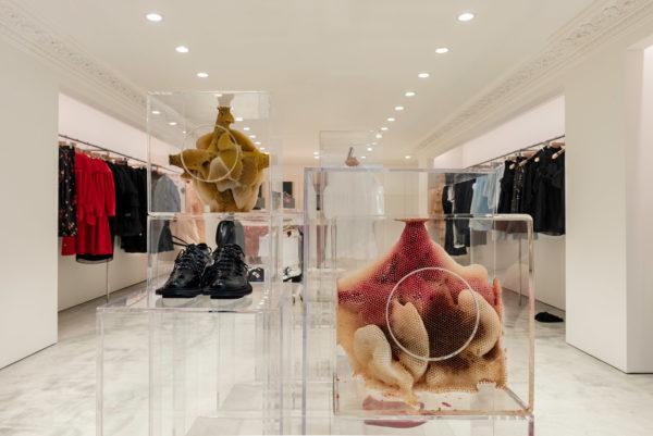 simone-rocha-hong-kong-shop-interiors-_dezeen_2364_col_3