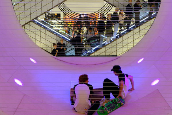 le-cube-installation-shop-interiors-skateboarding-mana-scott-oster_dezeen_2364_col_6